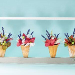 marco de pared con flores preservadas