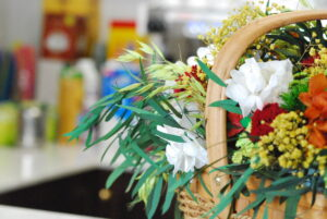 Detalle de flores en cafetería