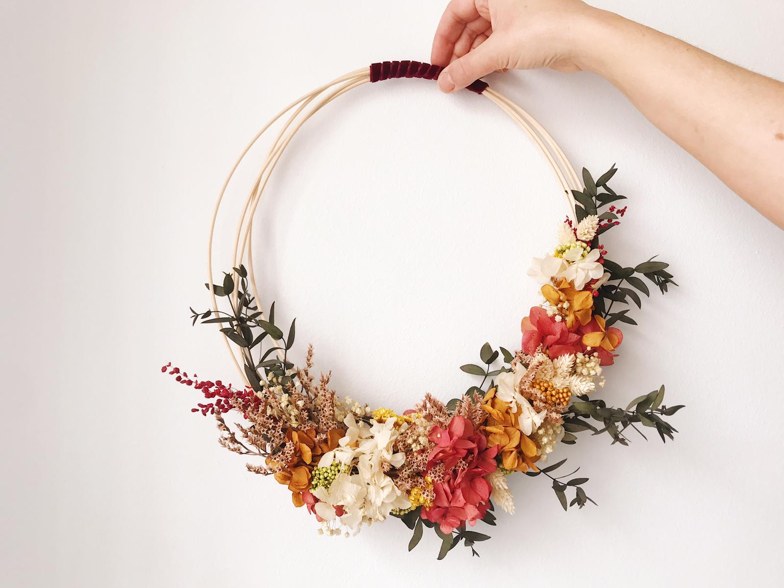 Colgante de flores preservadas