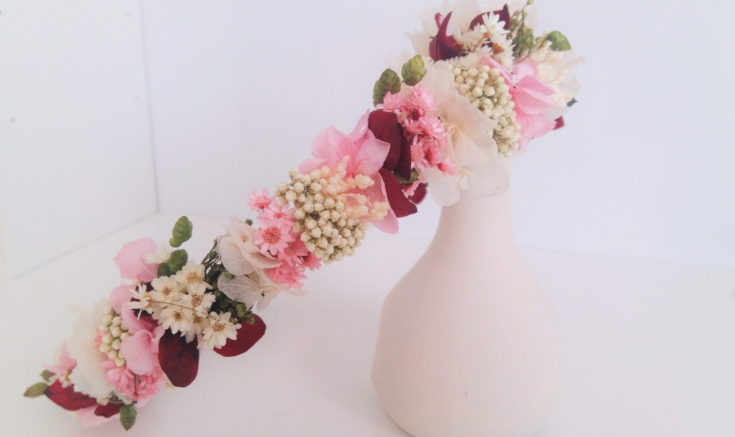 Tocado de flores para ceremonia